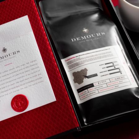 Demours - Luxury branding beverage
